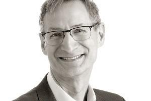 Dr. Matthew  Patrick